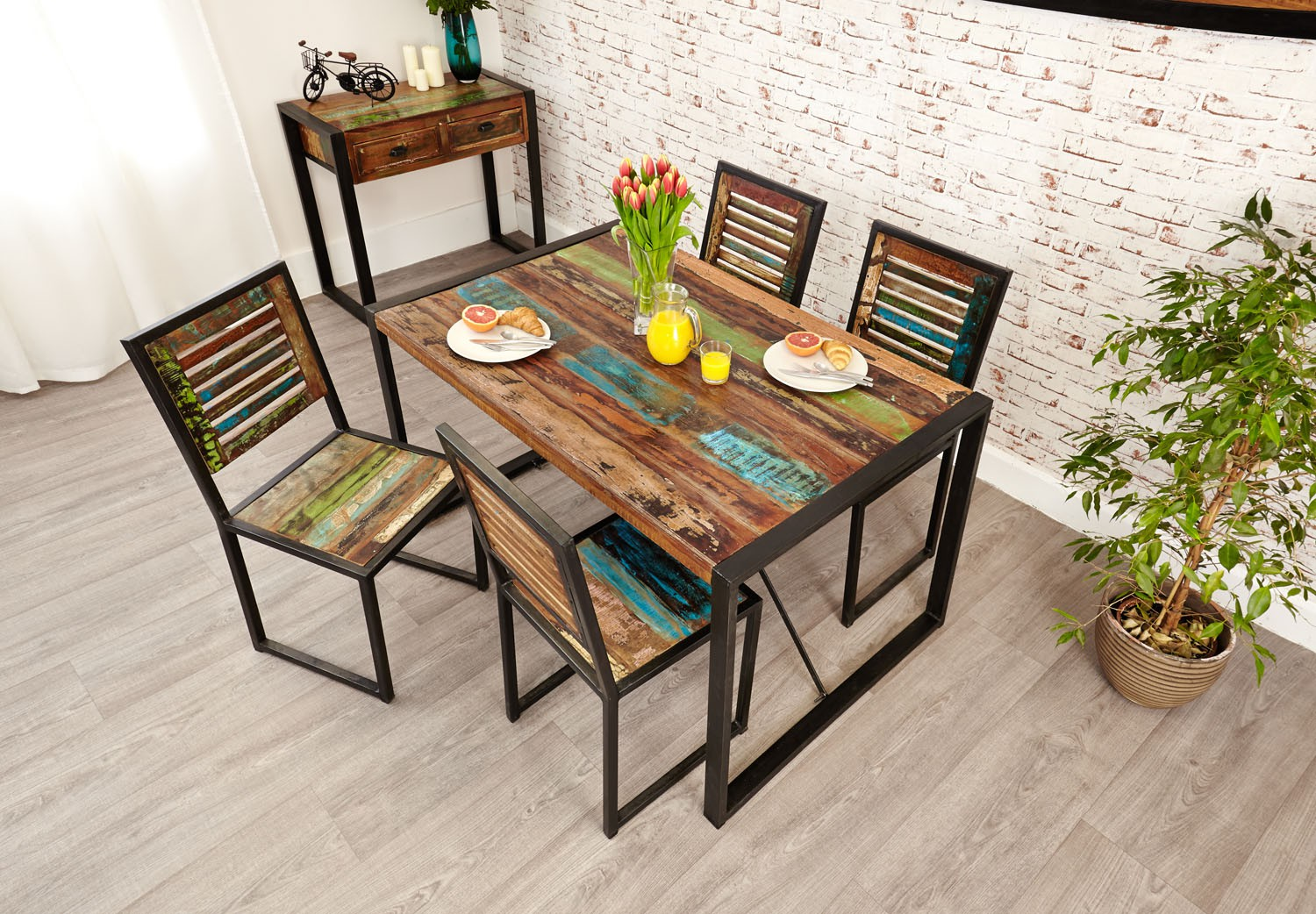 urban chic dining table small hallowood. Black Bedroom Furniture Sets. Home Design Ideas
