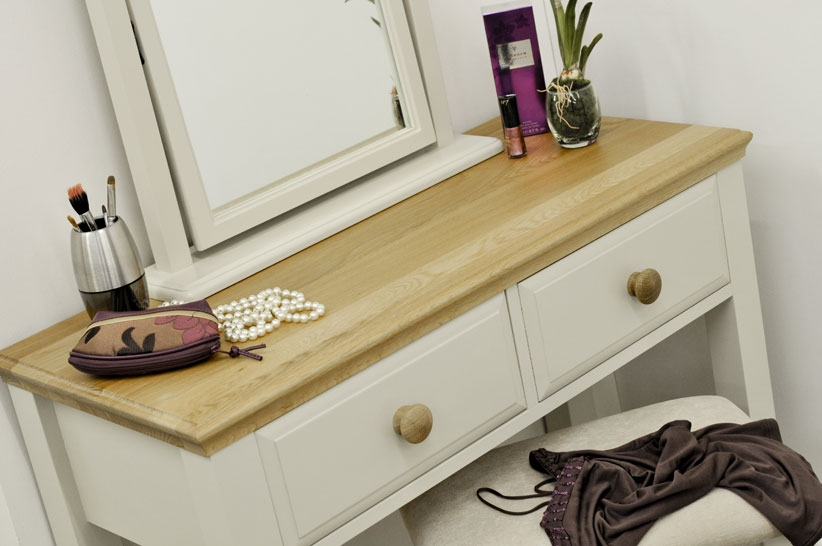 dressing table2